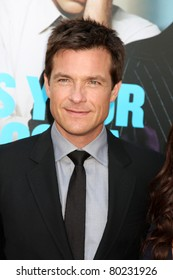 """LOS ANGELES - JUN 30:  Jason Bateman arriving at the """"Horrible Bosses"""" Premiere at Graumans Chinese Theater on June 30, 2011 in Los Angeles, CA"""