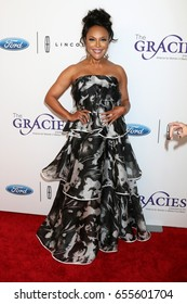 LOS ANGELES - JUN 6:  Lynn Whitfield at the 42nd Annual Gracie Awards at the Beverly Wilshire Hotel on June 6, 2017 in Beverly Hills, CA
