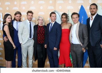 LOS ANGELES - JUN 8:  Animal Kingdom Cast at the Animal Kingdom Premiere Screening at the The Rose Room on June 8, 2016 in Venice Beach, CA
