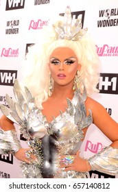 LOS ANGELES - JUN 9:  Farrah Moan at the RuPauls Drag Race Season 9 Finale Taping at the Alex Theater on June 9, 2017 in Glendale, CA