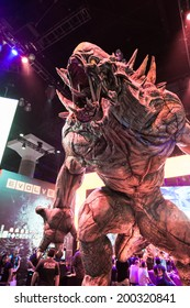 LOS ANGELES - JUNE 12: giant monster promoting Evolve at 2k booth at E3 2014, the Expo for video games on June 12, 2014 in Los Angeles