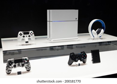 LOS ANGELES - JUNE 12: Sony unveiling white PlayStation 4 model and accessories for the first time  at E3 2014, the Expo for video games on June 12, 2014 in Los Angeles
