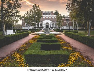 LOS ANGELES - JUNE 28, 2016: Sunrise at the University of Southern California Alumni Park.