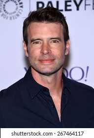 """LOS ANGELES - MAR 08:  Scott Foley arrives to the Paleyfest 2015 """"Scandal""""  on March 08, 2015 in Hollywood, CA"""