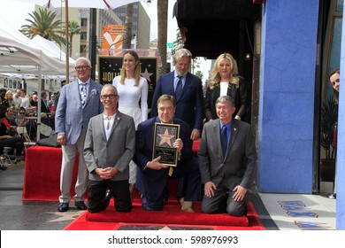LOS ANGELES - MAR 10:  Brie Larson, John Goodman, Jeff Bridges, Chamber officials at the John Goodman Walk of Fame Star Ceremony on the Hollywood Walk of Fame on March 10, 2017 in Los Angeles, CA