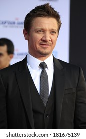 """LOS ANGELES - MAR 13:  Jeremy Renner at the """"Captain America: The Winter Soldier"""" LA Premiere at El Capitan Theater on March 13, 2014 in Los Angeles, CA"""
