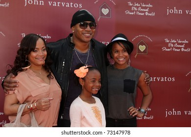 LOS ANGELES - MAR 13:  LL Cool J arriving at the John Varvatos 8th Annual Stuart House Benefit at John Varvaots Store on March 13, 2011 in Los Angeles, CA