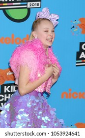 LOS ANGELES - MAR 24:  Jojo Siwa at the 2018 Kid's Choice Awards at Forum on March 24, 2018 in Inglewood, CA