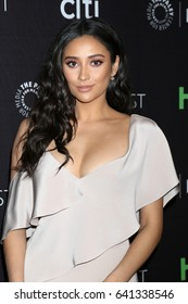 """LOS ANGELES - MAR 25:  Shay Mitchell at the 34th Annual PaleyFest Los Angeles - """"Pretty Little Liars"""" at Dolby Theater on March 25, 2017 in Los Angeles, CA"""