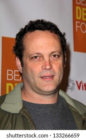 """LOS ANGELES - MAR 26:  Vince Vaughn arrives at the Launch of Kimberly Snyder's """"The Beauty Detox Foods""""' at the Smashbox Studios on March 26, 2013 in Los Angeles, CA"""