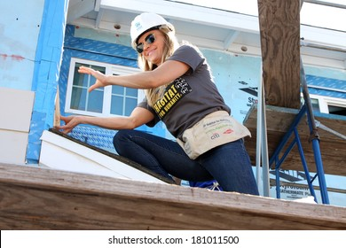 LOS ANGELES - MAR 8:  Kelly Sullivan at the 5th Annual General Hospital Habitat for Humanity Fan Build Day at Private Location on March 8, 2014 in Lynwood, CA