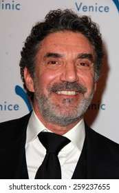 LOS ANGELES - MAR 9:  Chuck Lorre at the 2015 Silver Circle Gala at the Beverly Wilshire Hotel on March 9, 2015 in Beverly Hills, CA