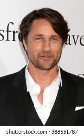 LOS ANGELES - MAR 9:  Martin Henderson at the Miracles From Heaven Premiere at the ArcLight Hollywood Theaters on March 9, 2016 in Los Angeles, CA