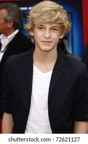 """LOS ANGELES - MARCH 6:  Cody Simpson arrives at the """"Mars Needs Moms"""" World Premiere at El Capitan Theater on March 6, 2011 in Los Angeles, CA"""
