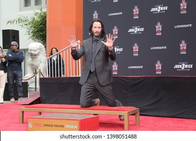 LOS ANGELES - MAY 14:  Keanu Reeves at the Keanu Reeves Hand and Foot Print Ceremony at the TCL Chinese Theater IMAX on May 14, 2019 in Los Angeles, CA