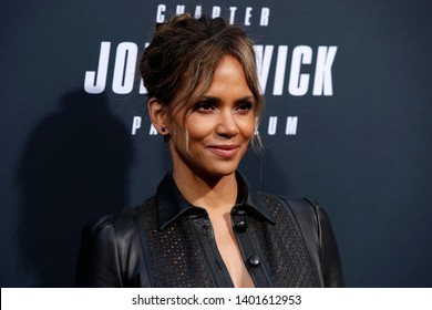 "LOS ANGELES - MAY 15:  Halle Berry at the ""John Wick Chapter 3 Parabellum"" Los Angeles Premiere at the TCL Chinese Theater IMAX on May 15, 2019 in Los Angeles, CA"