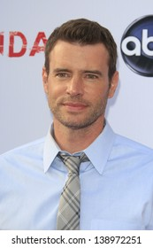 LOS ANGELES - MAY 16: Scott Foley at the Academy of Television Arts & Sciences' Presents an Evening with 'Scandal' at the Leonard H. Goldenson Theater on May 16, 2013 in North Hollywood, California