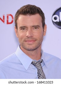 """LOS ANGELES - MAY 16:  Scott Foley arrives to the """"Scandal"""" Season Finale Red Carpet  on May 16, 2013 in Hollywood, CA"""