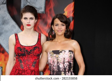 """LOS ANGELES - MAY 26:  Alexandra Daddario, Carla Gugino at the """"San Andreas"""" World Premiere at the TCL Chinese Theater IMAX on May 26, 2015 in Los Angeles, CA"""