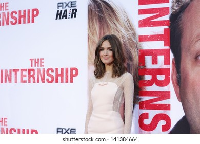 """LOS ANGELES - MAY 29:  Rose Byrne arrives at the """"Internship"""" Premiere at the Village Theater on May 29, 2013 in Westwood, CA"""