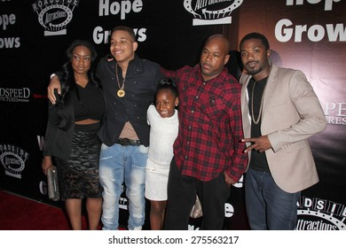 """LOS ANGELES - MAY 3:  Ray J Norwood, family at the """"Where Hope Grows"""" Los Angeles Premiere at the ArcLight Hollywood Theaters on May 3, 2015 in Los Angeles, CA"""