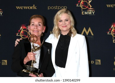 LOS ANGELES - MAY 5:  Judy Sheindlin, Amy Poehler at the 2019  Daytime Emmy Awards at Pasadena Convention Center on May 5, 2019 in Pasadena, CA