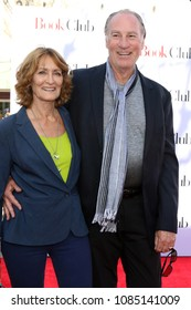 """LOS ANGELES - MAY 6:  Doria Cook-Nelson, Craig T Nelson at the """"Book Club"""" LA Premiere at Village Theater on May 6, 2018 in Westwood, CA"""