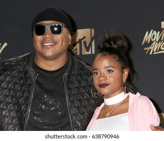 LOS ANGELES - MAY 7:  Simone Smith, LL Cool J, Nina Simone Smith at the MTV Movie and Television Awards on the Shrine Auditorium on May 7, 2017 in Los Angeles, CA
