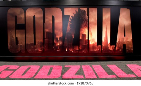 """LOS ANGELES - MAY 8:  Atmosphere at the """"Godzilla"""" Premiere at Dolby Theater on May 8, 2014 in Los Angeles, CA"""