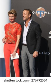 """LOS ANGELES - MAY 9:  Faith Hill, Tim McGraw at the """"Tomorrowland"""" Premiere at the AMC Downtown Disney on May 9, 2015 in Lake Buena Vista, CA"""
