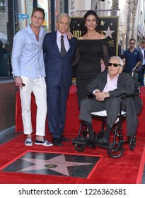 LOS ANGELES - NOV 06:  Cameron Douglas, Michael Douglas, Kirk Douglas and Catherine Zeta-Jones arrives to the Walk of Fame honor Michael Douglas  on November 6, 2018 in Hollywood, CA