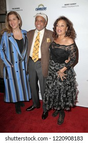 LOS ANGELES - NOV 1:  Berry Gordy, Debbie Allen at the Debbie Allen Dance Academy Fall Soiree at the Wallis Annenberg Center for the Performing Arts on November 1, 2018 in Beverly Hills, CA