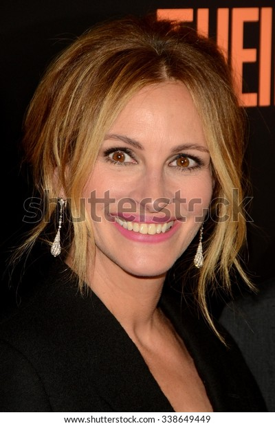 "LOS ANGELES - NOV 11:  Julia Roberts at the ""Secret In Their Eyes"" Los Angeles Premiere at the Hammer Museum on November 11, 2015 in Westwood, CA"
