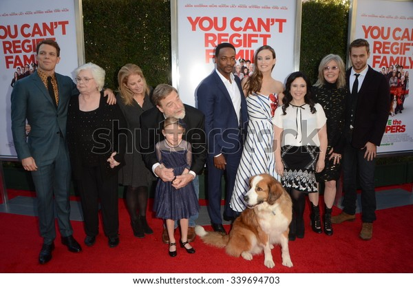 """LOS ANGELES - NOV 12:  Cast of """"Love the Coopers"""" at the """"Love the Coopers"""" Los Angeles Premiere at the The Grove on November 12, 2015 in Los Angeles, CA"""