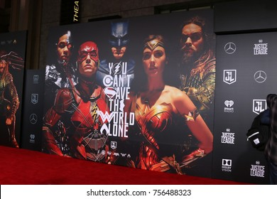 LOS ANGELES - NOV 13:  Atmosphere at the World Premiere of Justice League at Dolby Theater on November 13, 2017 in Los Angeles, CA