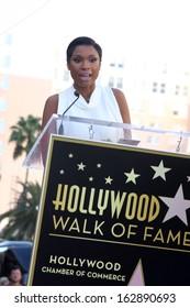 LOS ANGELES - NOV 13:  Jennifer Hudson at the Jennifer Hudson Hollywood Walk of Fame Star Ceremony at W Hollywood Hotel on November 13, 2013 in Los Angeles, CA