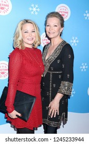 """LOS ANGELES - NOV 14:  Jordan Ladd, Cheryl Ladd at the """"It's A Wonderful Lifetime"""" Red Carpet at the Grove on November 14, 2018 in Los Angeles, CA"""