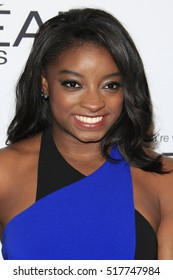 LOS ANGELES - NOV 14:  Simone Biles at the Glamour Women Of The Year 2016 at NeueHouse Hollywood on November 14, 2016 in Los Angeles, CA