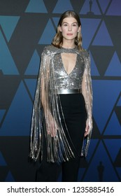 LOS ANGELES - NOV 18:  Rosamund Pike at the 10th Annual Governors Awards at the Ray Dolby Ballroom on November 18, 2018 in Los Angeles, CA