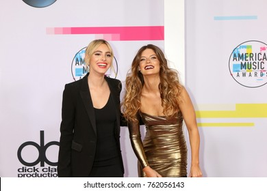 LOS ANGELES - NOV 19:  LeLe Pons, Hannah Stocking at the American Music Awards 2017 at Microsoft Theater on November 19, 2017 in Los Angeles, CA