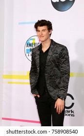 LOS ANGELES - NOV 19:  Shawn Mendes at the American Music Awards 2017 at Microsoft Theater    on November 19, 2017 in Los Angeles, CA