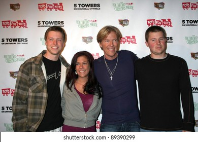 LOS ANGELES - NOV 22:  Son Harrison Wagner, Daughter Kelly, Jack Wagner, Son Peter Wagner at the 2011 Hollywood Christmas Parade Concert at Universal Citywalk on November 22, 2011 in Los Angeles, CA