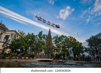 Los Angeles, NOV 27: Afternoon view of the Dancing Fountain in the Grove on NOV 27, 2018 at Los Angeles, California