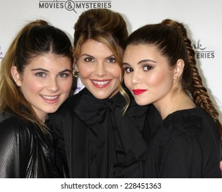 "LOS ANGELES - NOV 4:  Lori Loughlin, daughters Isabella Rose Giannulli, Olivia Jade Giannulli at the ""Northpole"" Screening Reception at the La Piazza Restaurant on November 4, 2014 in Los Angeles, CA"