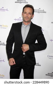 "LOS ANGELES - NOV 4:  Luke Perry at the Hallmark Channel's ""Northpole"" Screening Reception at the  La Piazza Restaurant  at The Grove on November 4, 2014 in Los Angeles, CA"