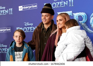 "LOS ANGELES - NOV 7:  Bronx Wentz, Evan Ross, Ashlee Simpson, Jagger Snow Ross at the ""Frozen 2""  LA Premiere at the Dolby Theater on November 7, 2019 in Los Angeles, CA"