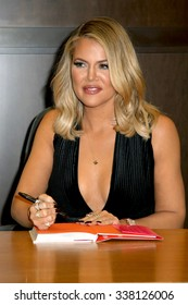 "LOS ANGELES - NOV 9:  Khloe Kardashian at the Booksigning of Khloe Kardashian's book ""Strong Looks Better Naked"" at the Barnes and Noble on November 9, 2015 in Los Angeles, CA"