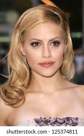 "LOS ANGELES - NOVEMBER 12: Brittany Murphy at the world premiere of ""Happy Feet"" at Grauman's Chinese Theatre November 12, 2006 in Hollywood, CA."