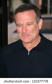 """LOS ANGELES - NOVEMBER 12: Robin Williams at the world premiere of """"Happy Feet"""" at Grauman's Chinese Theatre November 12, 2006 in Hollywood, CA."""