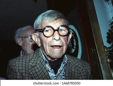 LOS ANGELES - November 13, 1992: Comedian George Burns leaves Chasens restaurant.